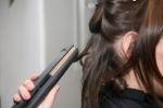 Boucler ses cheveux avec un fer à lisser